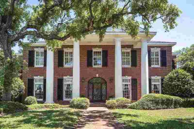 100 Chanteclaire Cir Gulf Breeze Five BR, Stately home with