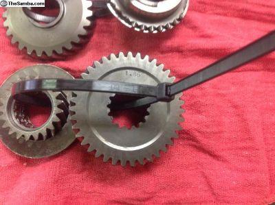 Close ratio gears