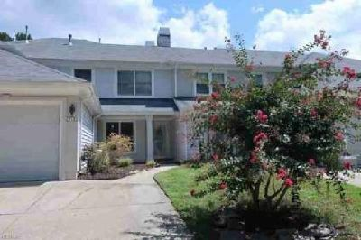 119 Esplanade PL Chesapeake, This Three BR townhouse in