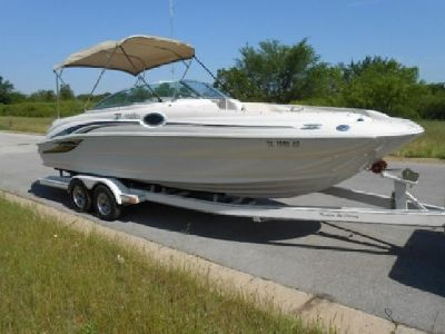 787RGR..2001 Sea Ray 240 Sundeck 24ft Deck Boat