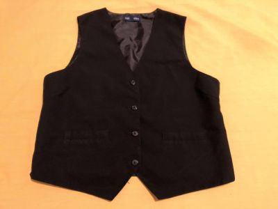 Will Allyn Ladies Black Vest. Size Large. 100% Polyester. EUC