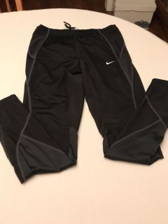 Nike size M pant. Has zipper on side of el. See comment. Very good condition