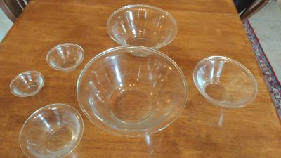Set of 6 glass bowls