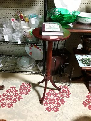 Bombay Company Plant Stand / Pedestal Table