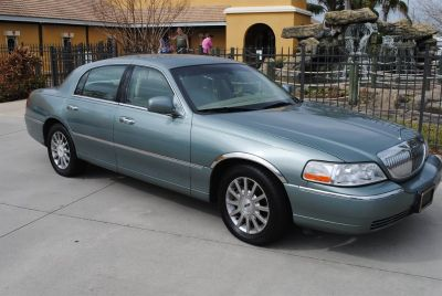 2006 Lincoln Town Car Signature (Silver)