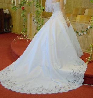 Size 6 Signature Wedding Gown