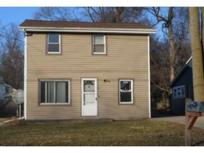 2 Bed 1 Bath Foreclosure Property in Lansing, MI 48906 - E Paulson St
