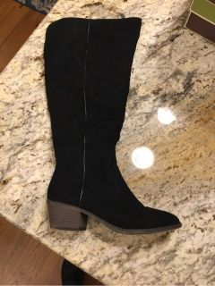 Fergalicious Black Wide Calf Boots 8.5