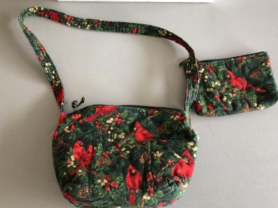 Cardinal Birds and Acorns Purse with matching makeup purse; many pockets inside and outside of purse; can use for all Winter