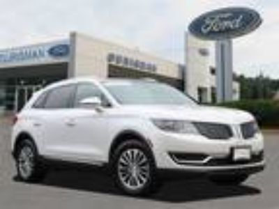 2016 Lincoln MKX Select Navigation, Panoramic Roof, Climate Pkg