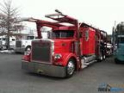 Used 2000 Peterbilt 379 for sale.