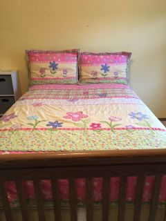 Full size comforter set with 2 shams, 2 decorative toss pillows and bed skirt