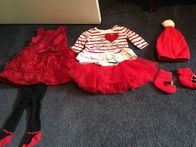 Christmas clothes (size 9-12 months)