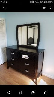 Full size like new dresser with mirror