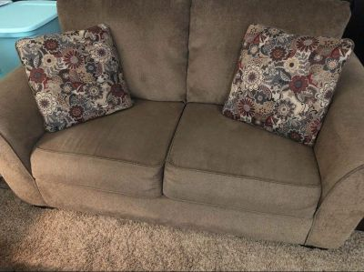 Oversized loveseat in great condition (no rips, tears or stains; well taken care of) - POMS