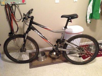 $650 Giant Yukon FX Mountian Bike