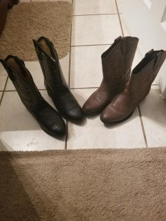 Boys boots size 5