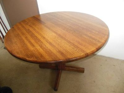 Nice Solid Oak Kitchen Table Or Dining Room Table
