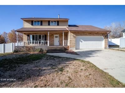 4 Bed 3 Bath Foreclosure Property in Pleasant Grove, UT 84062 - N Meadow Dr