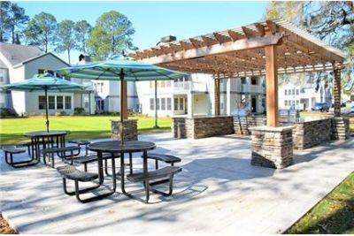 1 bedroom Apartment - The on the Bluffs are located twenty minutes from downtown Savannah.