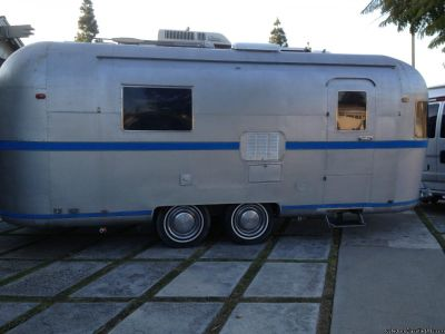 =Vintage 1976 Airstream Style 23 Ft=