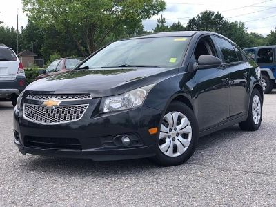 2013 Chevrolet Cruze LS Auto (BLACK GRANITE METALLIC)