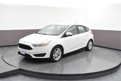 2016 Ford Focus SE (white)