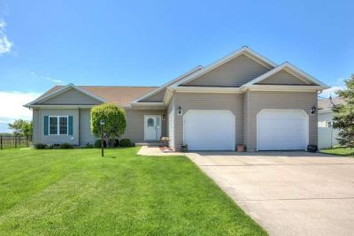 2000 Applewood Drive MONTICELLO Three BR, Spacious family room