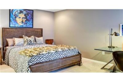 1 bedroom Townhouse - For those who accept no compromise.