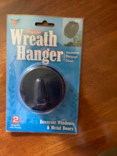 Heavy wreath hanger double sided