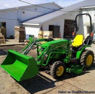 2014 John Deere 2025R Tractor Loader