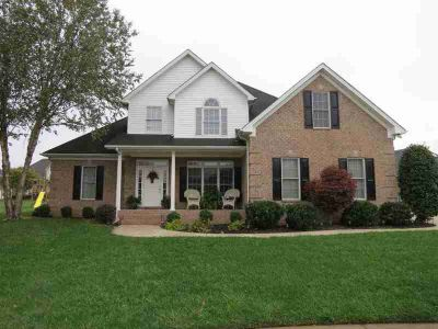 1086 Parkwood Court Bowling Green Four BR, Great location in the