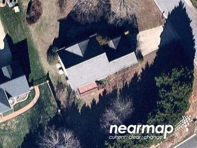4 Bed 2.5 Bath Foreclosure Property in Hickory, NC 28601 - 13th Street Ct NE