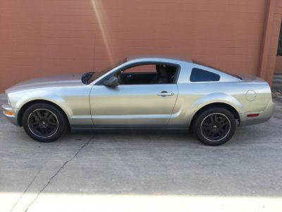 2008 Ford Mustang V6 Deluxe (Silver)