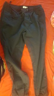 Old navy joggers pants .. navy blue like new