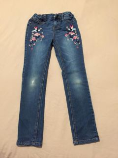 Girls size 6x jeans