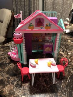 Barbies Chelsea s play house
