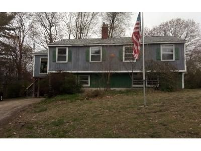 2 Bed 2 Bath Preforeclosure Property in Derry, NH 03038 - Holiday Ave