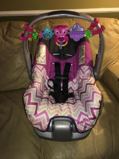 Evenflo Carrier Car seat With Base weight Limit it up to 22 lbs. (Expiration Date Is 2021.)