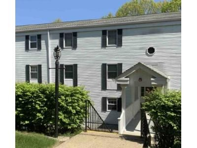 2 Bed 1.5 Bath Foreclosure Property in Pittsburgh, PA 15237 - Camelot Dr