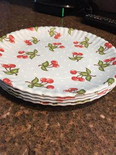 Set of 4 plates- new cont