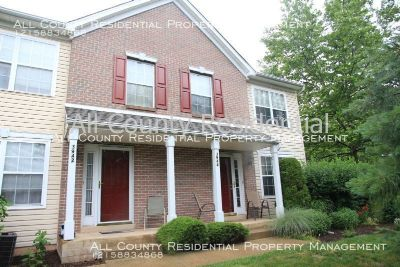 Beautiful Bright 2 Bedroom, 1 full and 1 half bath Townhome in Doylestown, PA