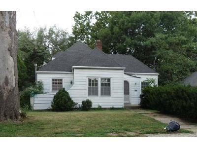 3 Bed 1 Bath Foreclosure Property in Leavenworth, KS 66048 - Central St