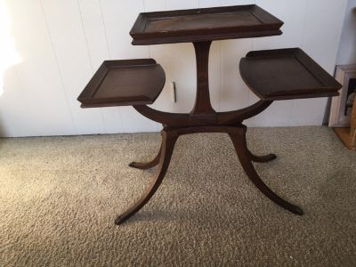 *** ANTIQUE 3-Tier table *** In Very Good Condition