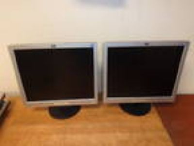 "One Lot of 2 HP 1906 19"" WideScreen LCD Monitor Black & Grey"