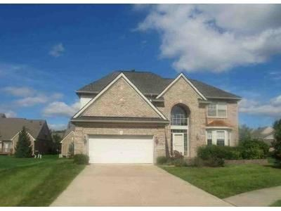 4 Bed 2.5 Bath Foreclosure Property in Livonia, MI 48152 - Brookside Ct