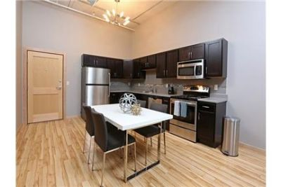 1,398 sq. ft. \ 2 bathrooms \ Apartment - in a great area. Parking Available!