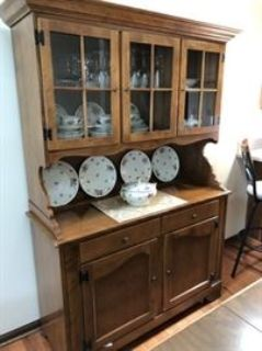 (AUCTION ID# 2504) 05/15 ANTIQUES - TOOLS - FURNITURE - ETHAN ALLEN - COUCH - DESK - LONGABERGER -