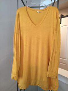 Boutique mustard yellow tunic with pockets size 1x
