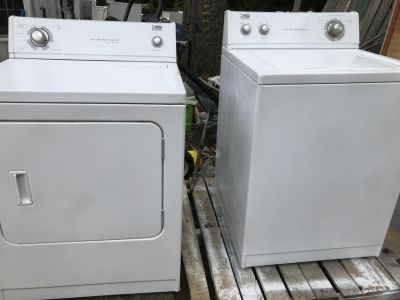 Estate washer and dryer matching set
